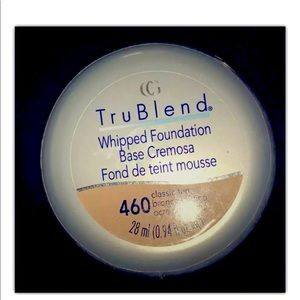 CoverGirl TruBlend Whipped Foundation CLASSIC TAN